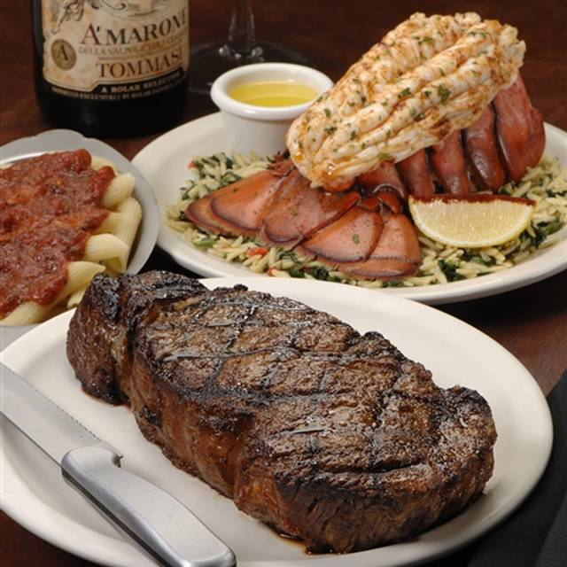 Delmonico 39 s italian steakhouse syracuse restaurant for Open table 99 park