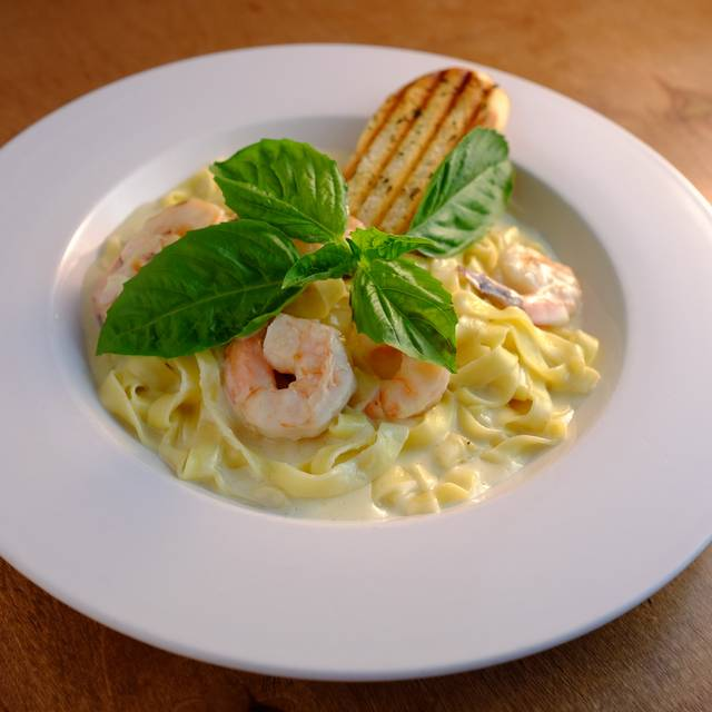 Fettuccine Alfredo with Shrimp - New Campo Argentino, Miami Beach, FL