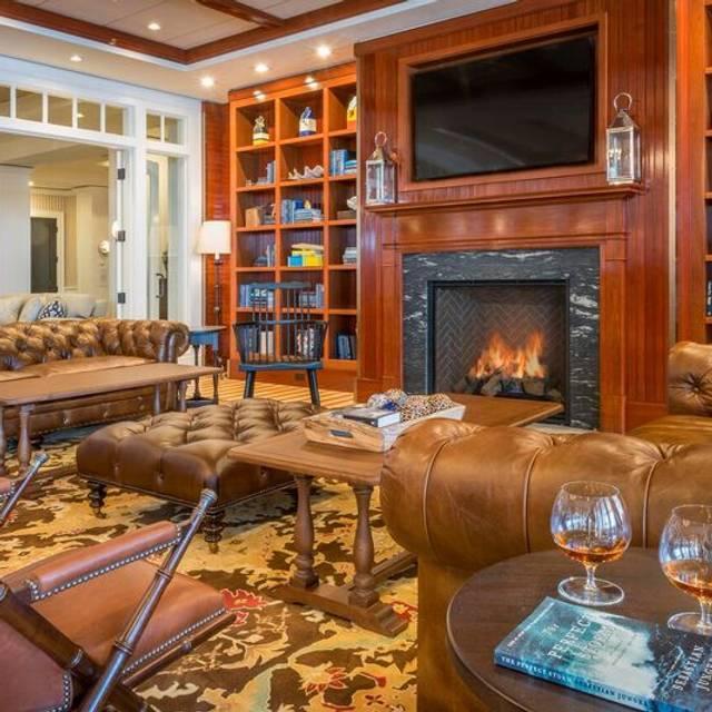 Interior - 1606 Restaurant & Bar, Gloucester, MA