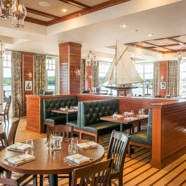 1606 Restaurant Bar