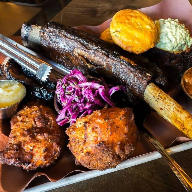 BBQ - The Yale Saloon, Vancouver, BC
