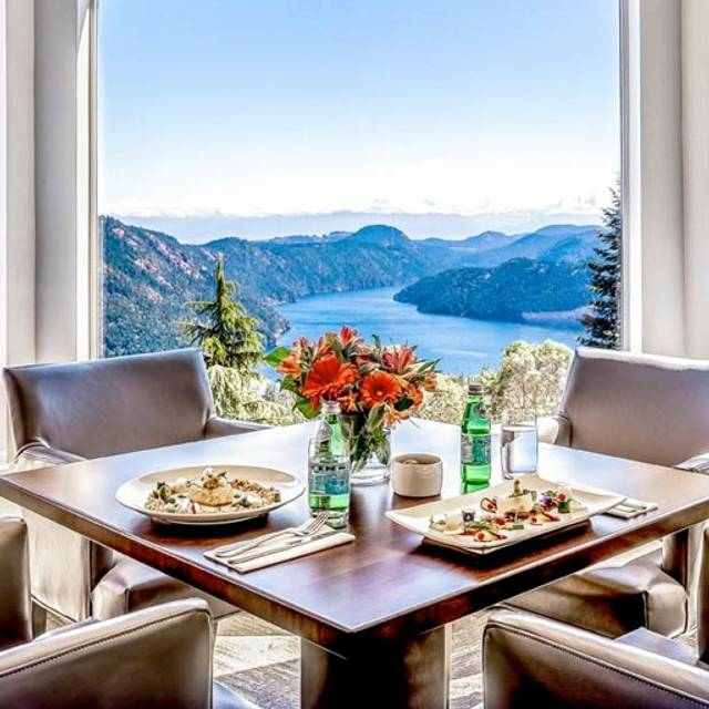 Alpina Restaurant at Villa Eyrie Resort, Malahat, BC