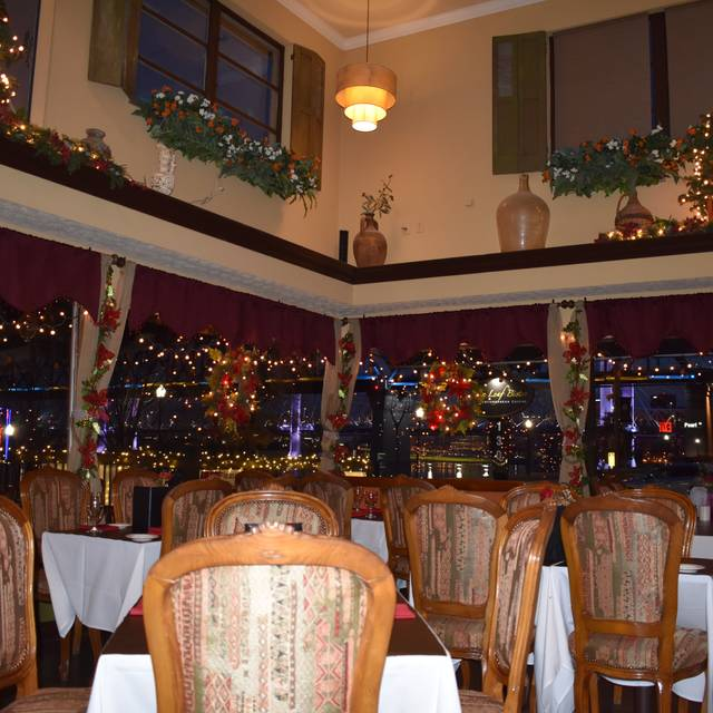 Holiday Dining - Olive Leaf Bistro, Jeffersonville, IN