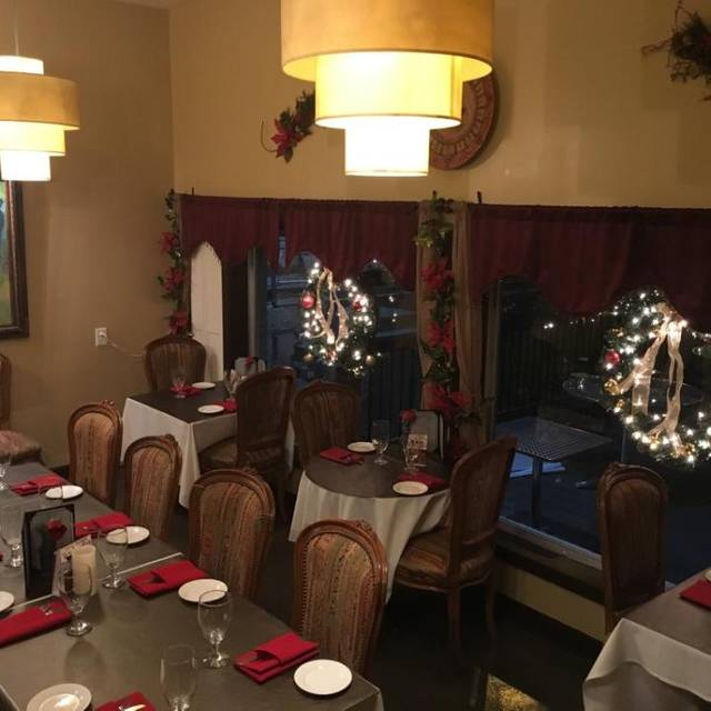Private Room- Christmas - Olive Leaf Bistro, Jeffersonville, IN