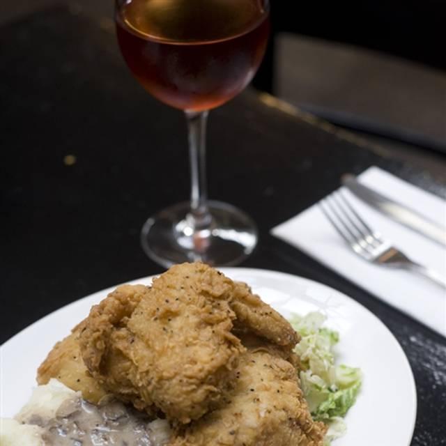 Italian Foods Near Me: No. 7 Restaurant - Brooklyn, NY