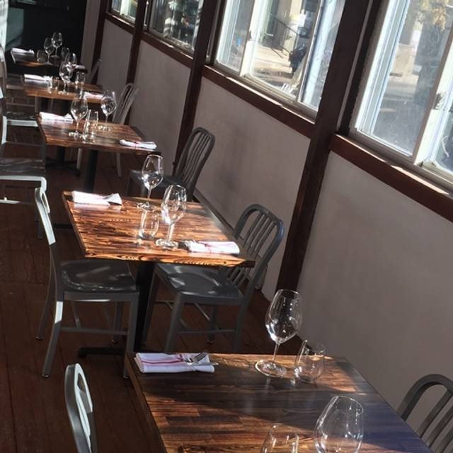 Clyde restaurant denver co opentable for 0pen table denver