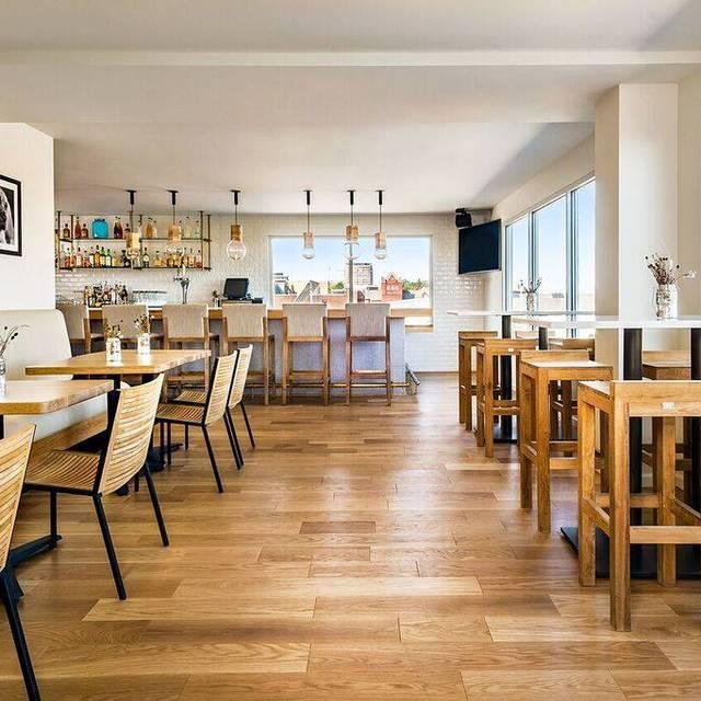 Medium Hotel Interior: Graduate Hotel Restaurant