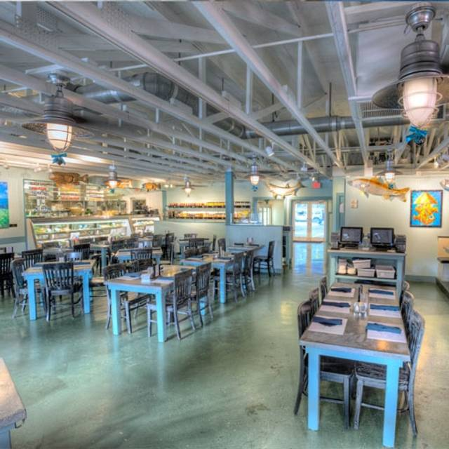 Deep lagoon seafood restaurant naples fl opentable for Fish restaurant naples