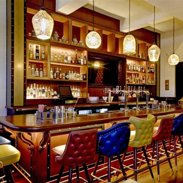 Finn Town Tavern, San Francisco, CA