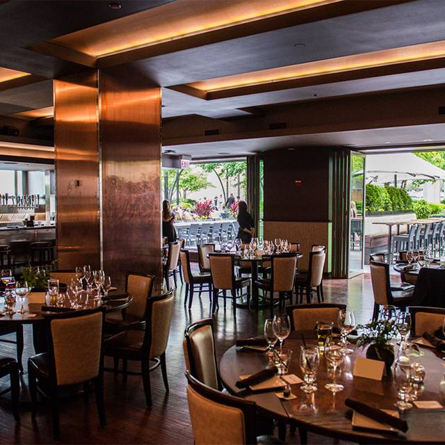 Howells hood chicago il opentable for 0pen table chicago