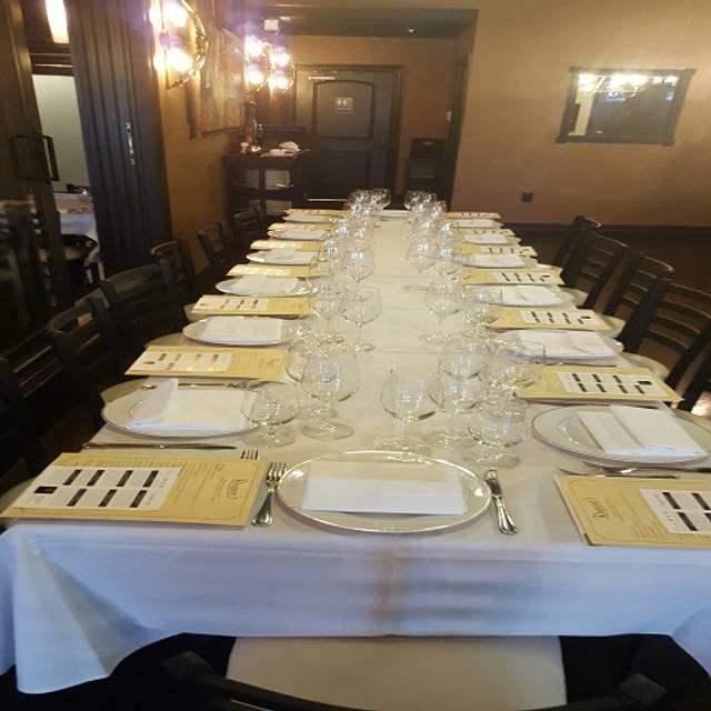 Ruggero's Ristorante Restaurant