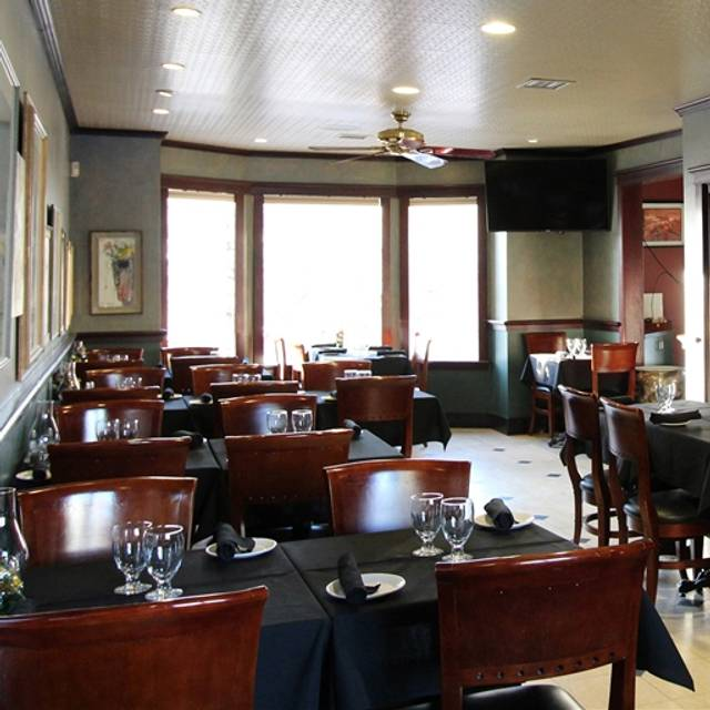 Embarcadero Wine and Oyster Bar, Calgary, AB