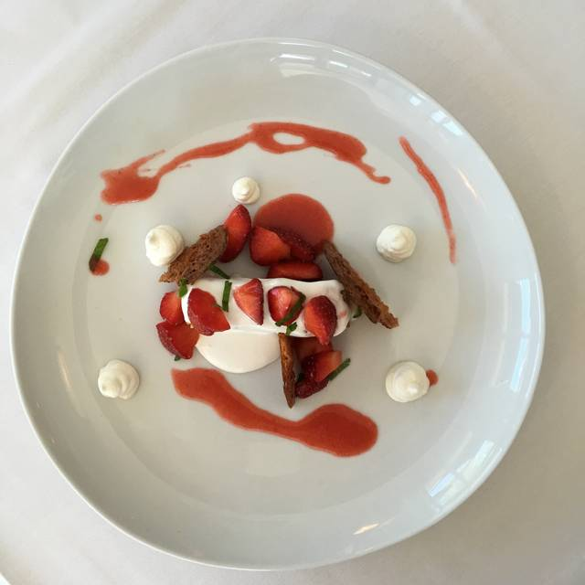 Strawberries And Cream - Restaurant North, Armonk, NY