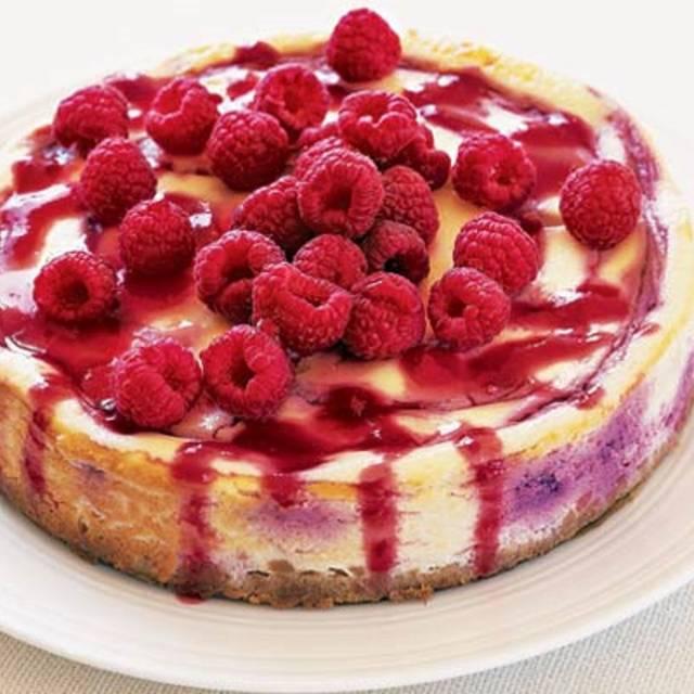 Baked-cheesecake-with-raspberries - Momento, Southampton, Hampshire