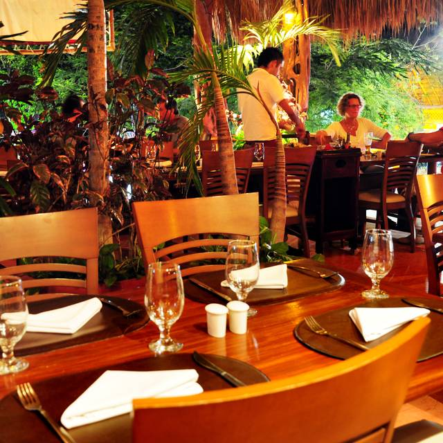 Madre Tierra Seafood and Steak House, Cancún, ROO