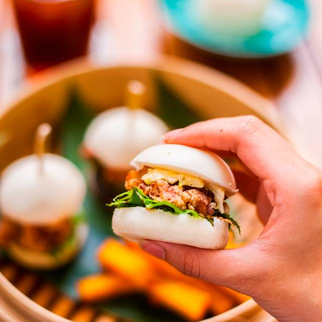Fried Chicken Bao - The Courtyard at The House on Sathorn, Bang Rak, Bangkok