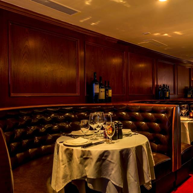 Royal 35 Steakhouse Restaurant New York Ny Opentable