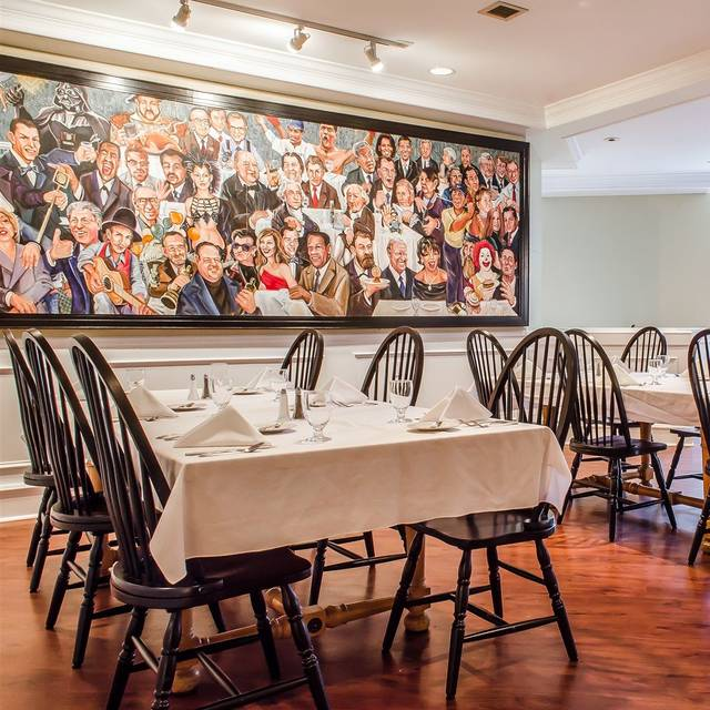 Tarragon Restaurant Atherton Hotel