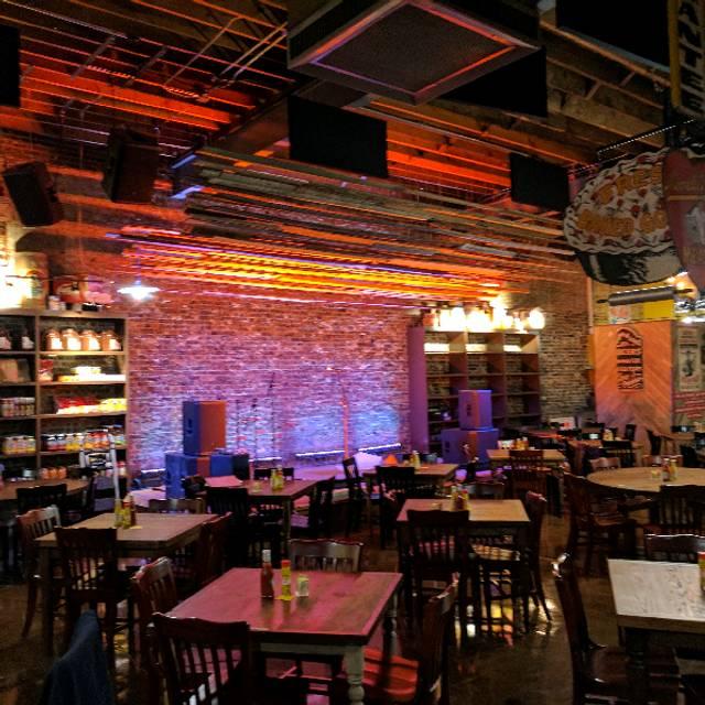 Puckett 39 s murfreesboro restaurant murfreesboro tn for Dining near brentwood tn