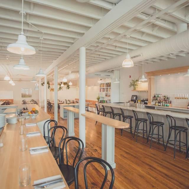 Best Restaurants In Hamburg OpenTable - Restaurant community table