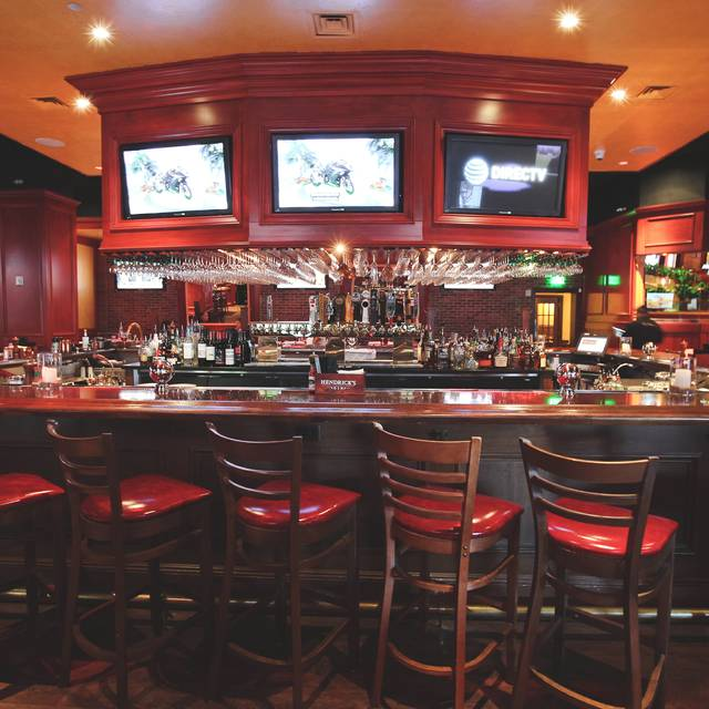 360 Bar with 15 TVs - Laurenzo's Bar & Grill, Houston, TX
