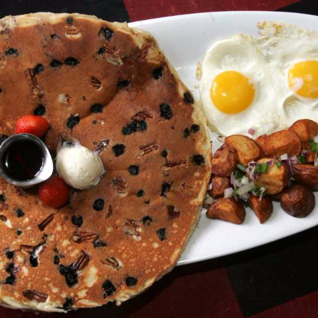 Tractor Driver Combo - Hash House a Go Go - Henderson, Henderson, NV