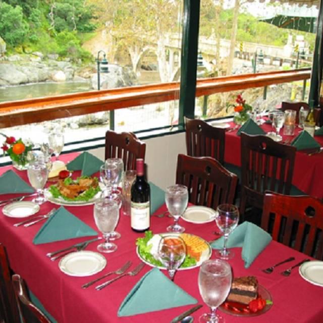 Gateway Restaurant Lodge Three Rivers Ca