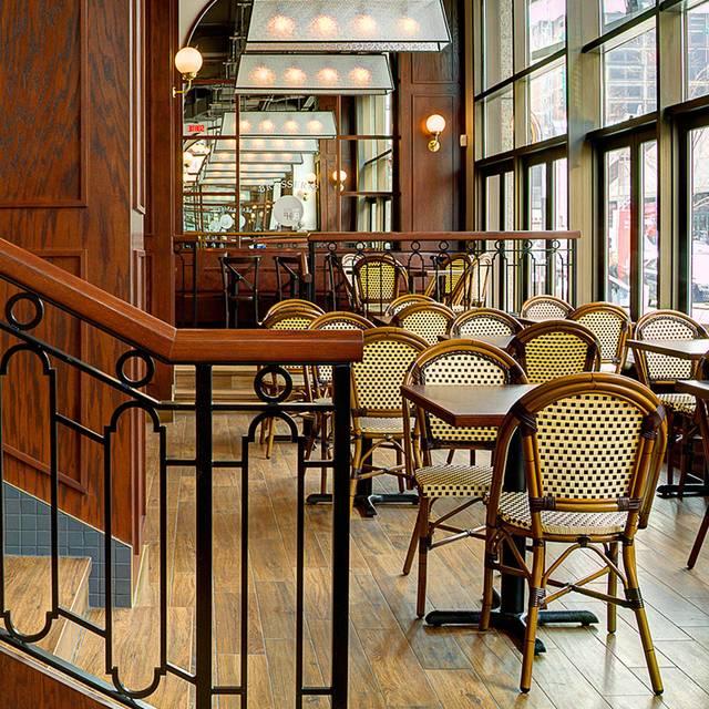 Rotisserie St-Hubert - Complexe Desjardins, Montréal, QC