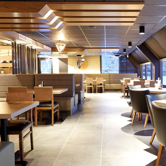 Rotisserie st hubert brossard restaurante brossard qc for Menu st hubert salle a manger