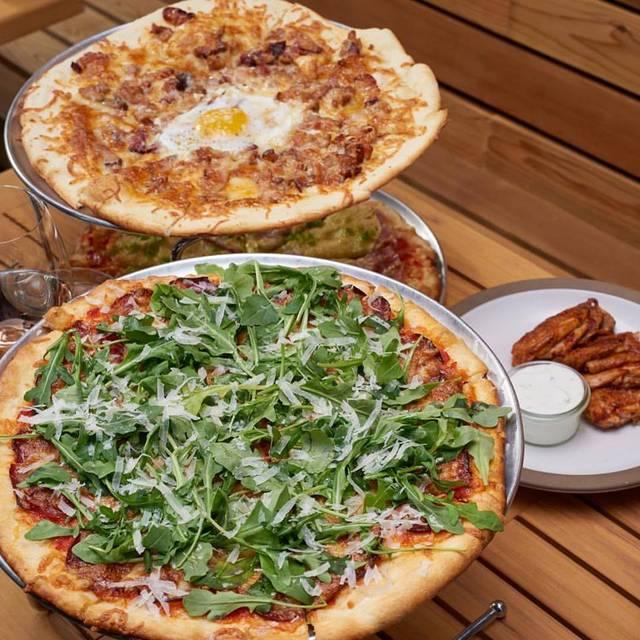UNA pizza + wine, Saskatoon, SK