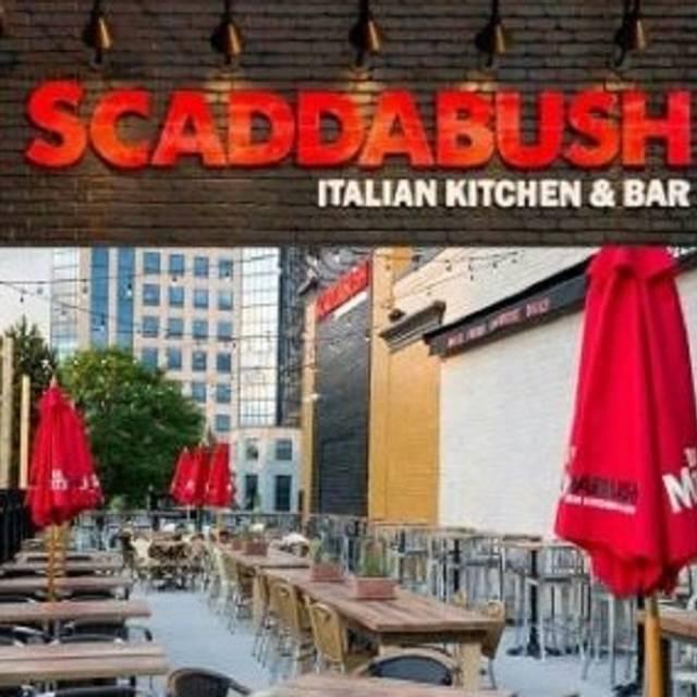 Scaddabush italian kitchen bar front st toronto on for Italian street kitchen