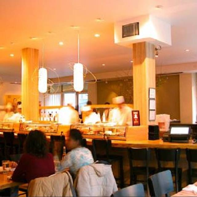 Rise sushi sake lounge restaurant chicago il opentable for 0pen table chicago