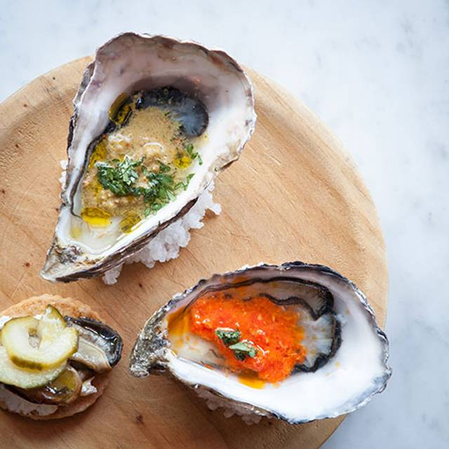 Dressed Oysters - Wright Brothers - Spitalfields, London