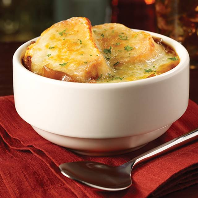 French Onion Soup - TGI FRIDAYS - Pittsburgh Airport, Pittsburgh, PA