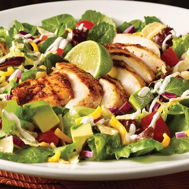 Chipotle Yucatan Salad - TGI FRIDAYS - DFW Airport C-30, Dallas, TX