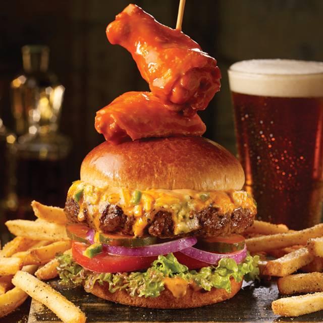 Buffalo Wingman's Burger - TGI FRIDAYS - Pigeon Forge, Pigeon Forge, TN