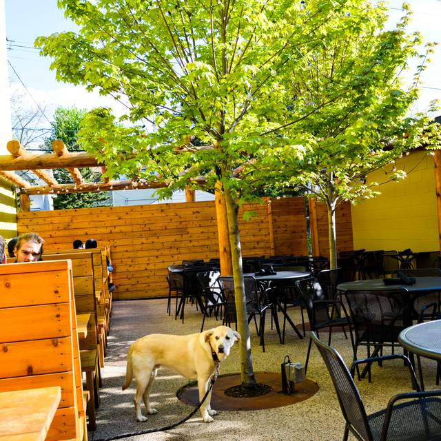 Grand patio - French Meadow Cafe' - Grand Ave, Saint Paul, MN