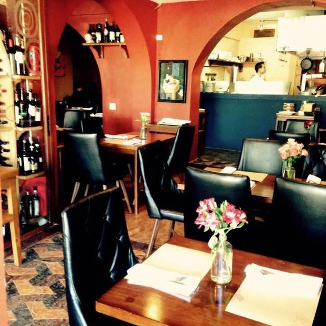 Salon - DOC Wine Bar, Cabo San Lucas, BCS