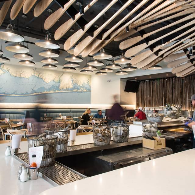 Blue island oyster bar seafood restaurant denver co for Blue fish restaurant and oyster bar