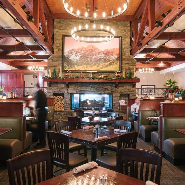 Dining Room - Village Tavern Broomfield, Broomfield, CO