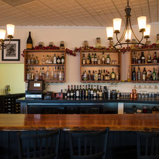 Bar - The Wooden Table, Greenwood Village, CO