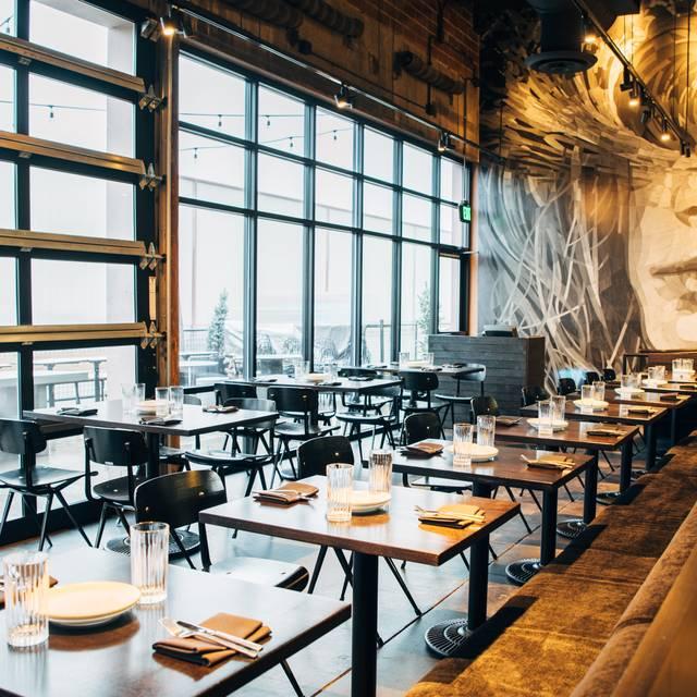 Dining Room - Mister Tuna, Denver, CO