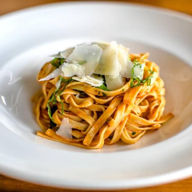 Spaghetti Pomodoro In Bowl - il Giallo Osteria & Bar, Sandy Springs, GA