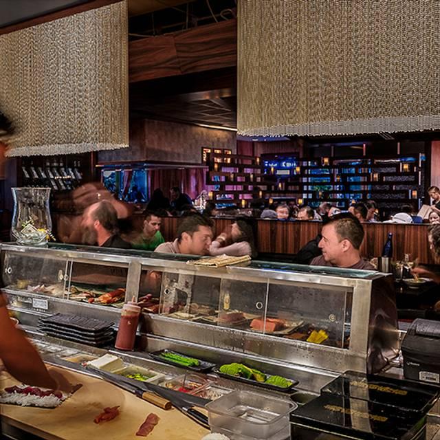 Sushi Bar - Dragonfly - Robata Grill & Sushi, Orlando, FL