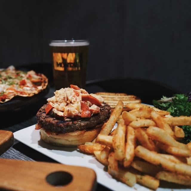 Sagaponack Bar and Grill, New York, NY