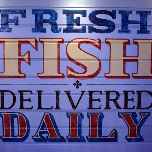 Fh Fresh Fish Sign Exterior H Hr Ff - Fog Harbor Fish House, San Francisco, CA