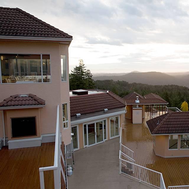 Villa Eyrie Resort - Alpina Restaurant at Villa Eyrie Resort, Malahat, BC