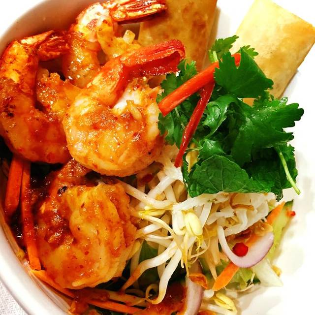 Wok Fried Prawns Tomyum With Rice Noodle , Lettuce , Herbs & Crushed Peanut And Lemon Fish Sauce Dressing - Nok Nok Thai Eating House, Sydney, AU-NSW