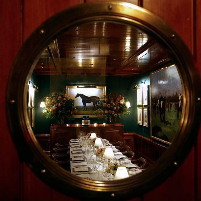 The Polo Bar Restaurant - New York e8a06850022