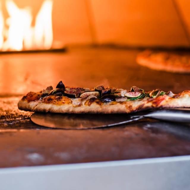 Catalina Pizza - catalina kitchen at Terranea Resort, Rancho Palos Verdes, CA